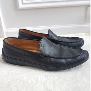 Tod's Men's Round Toe Black Leather Loafers